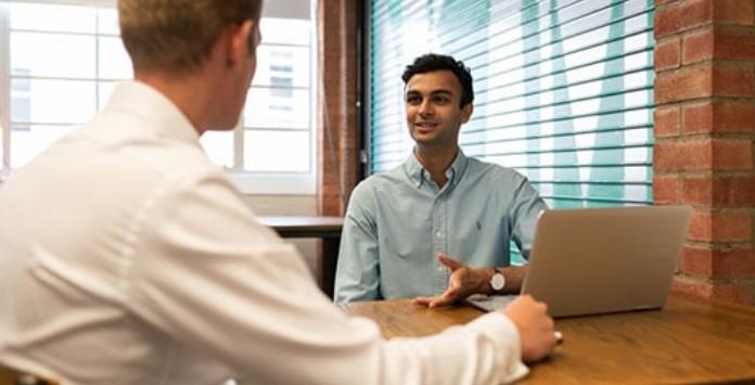 Simular Entrevista de Emprego