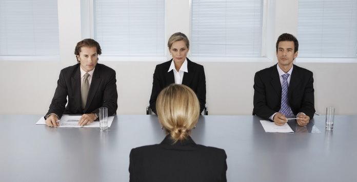 Como reagir durante uma entrevista e emprego